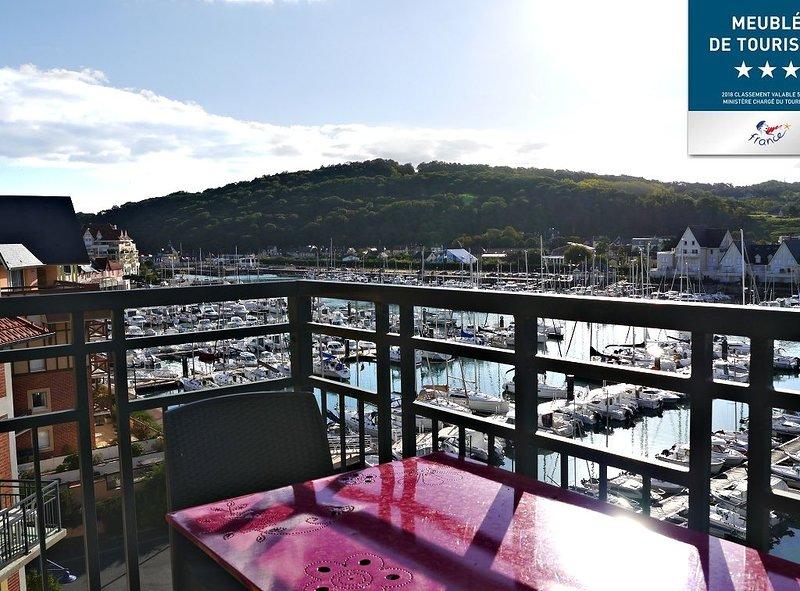 Les-voiles-bleues à Port Cabourg, 2 piscines chauffées (int/ext), holiday rental in Dives-sur-Mer