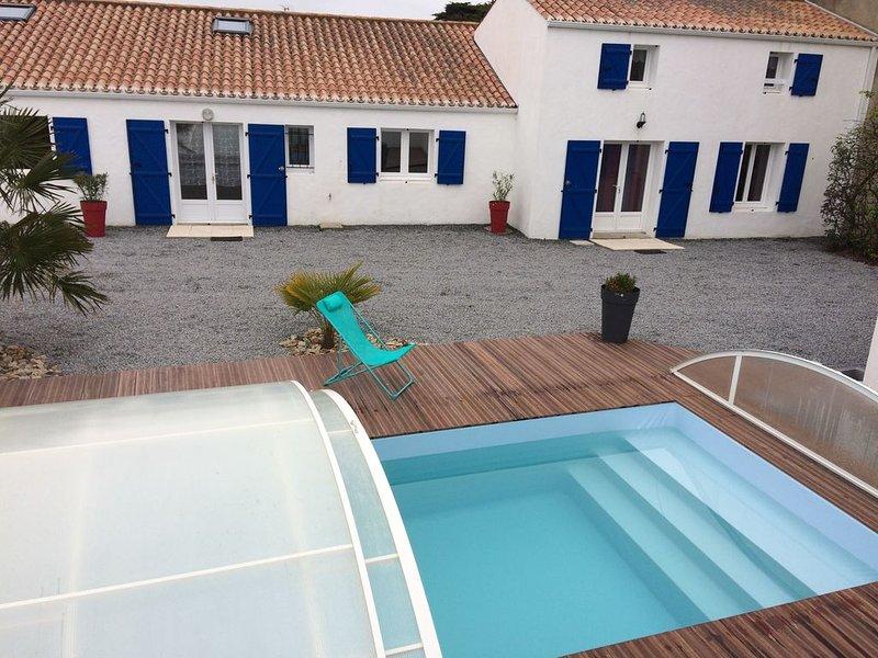 Maison 12 personnes avec piscine, proche de la plage, vacation rental in Beauvoir-Sur-Mer