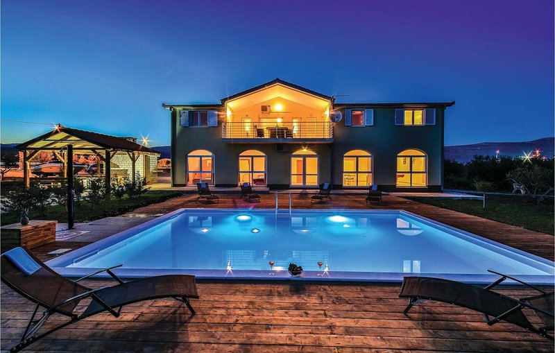 2 Zimmer Unterkunft in Divulje, casa vacanza a Plano