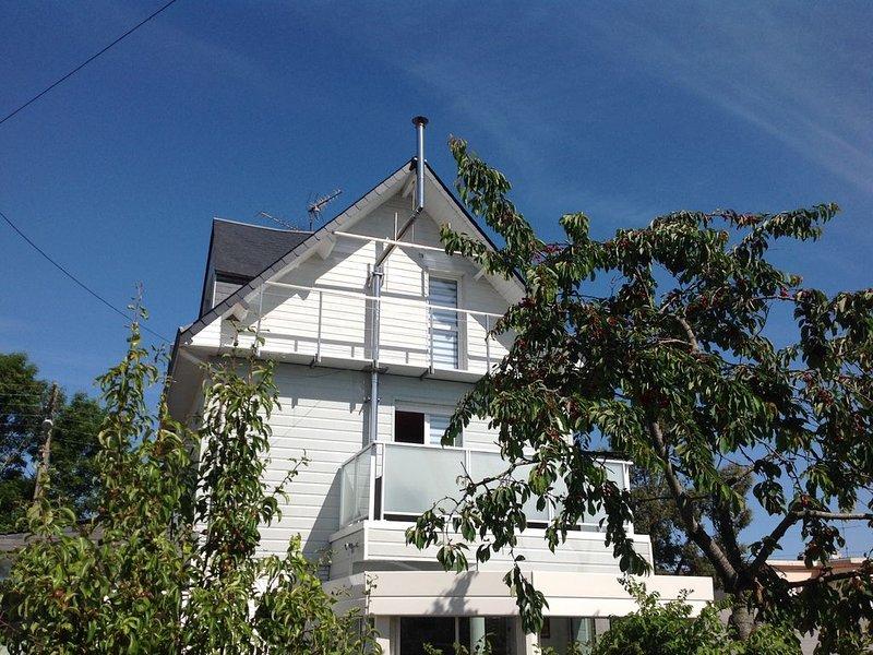 Maison très claire et zen, alquiler vacacional en Longueville