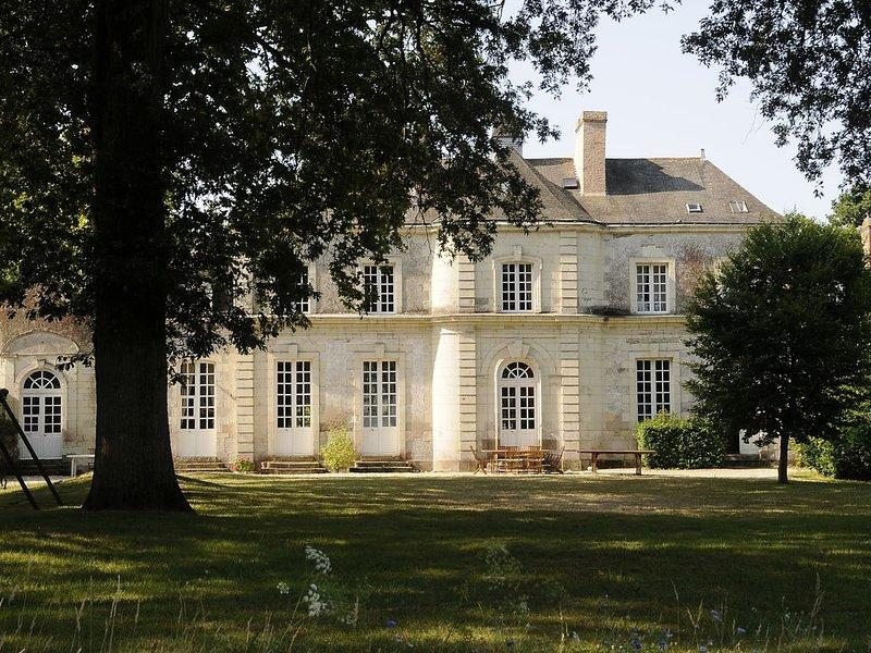 Grande maison de caractère du 18ème siècle sur Pornic, vacation rental in Pornic