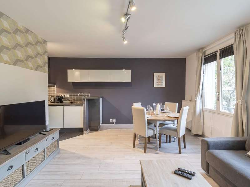 Les Deux Rives - Appartement confortable avec place de parking, vacation rental in Rennes