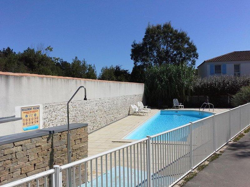 spacieuse maison dans résidence privée avec piscine, alquiler de vacaciones en Les Sables-d'Olonne