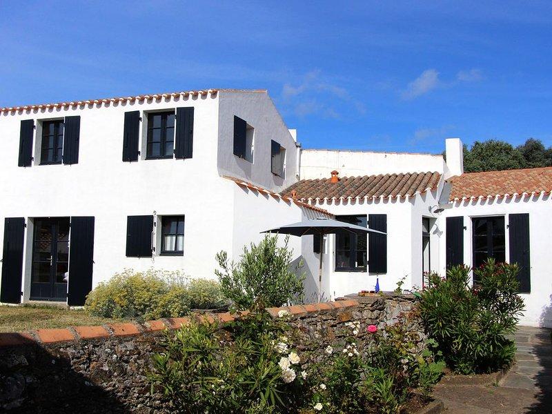 Maison de charme avec jardin dans St Sauveur, village central de l'ile d'Yeu, vakantiewoning in Ile d'Yeu