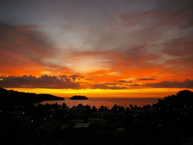 Superbe T3 de 75m2 , avec une vue époustouflante sur la mer des Caraïbes., holiday rental in La Pagerie