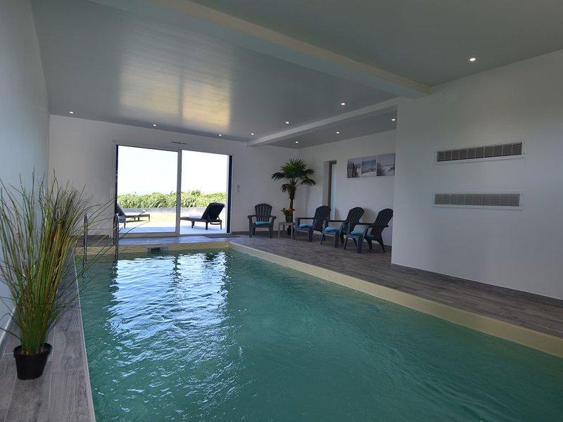 Villa Pen Ar Pors, 8 personnes, piscine, vue mer, casa vacanza a Plouescat