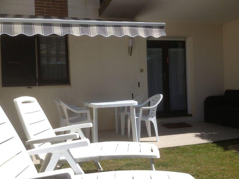 T2 + jardin à 100m de la plage (accès direct) proche Thalasso et Centre Ville, holiday rental in Cabourg