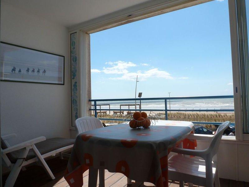 Superbe T2 face Océan - Esplanade de la Mer  (loggia, parking, lit 160..), alquiler vacacional en Vendee