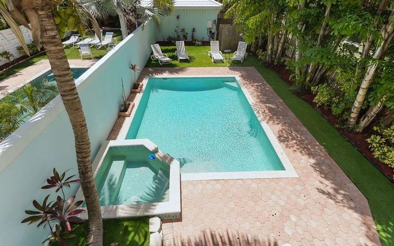 Fabulous 5 Bedroom  With Private Heated Pool - Sleeps 14, aluguéis de temporada em Siesta Key