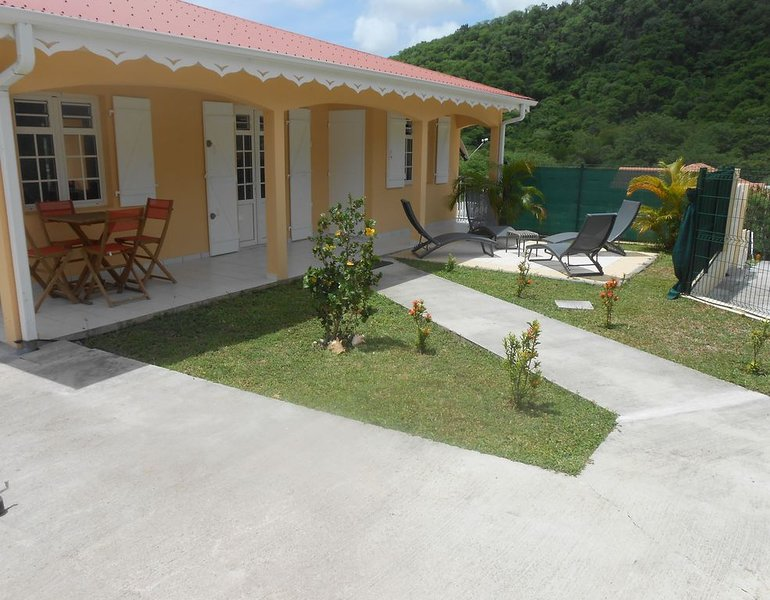 VILLA BAIE DES ANSES H, alquiler de vacaciones en Les Anses d'Arlet
