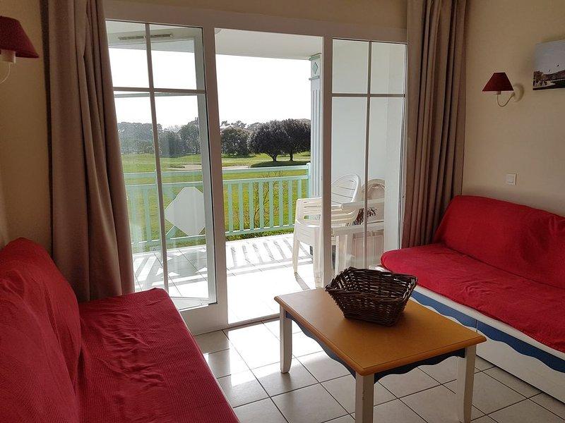 Port Bourgenay Appartement T2 Face au golf exposé sud, aluguéis de temporada em Talmont Saint Hilaire