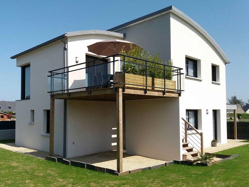 Superbe maison récente classée **** vue mer-50m de la mer - Landrellec/Trégastel, casa vacanza a Pleumeur Bodou