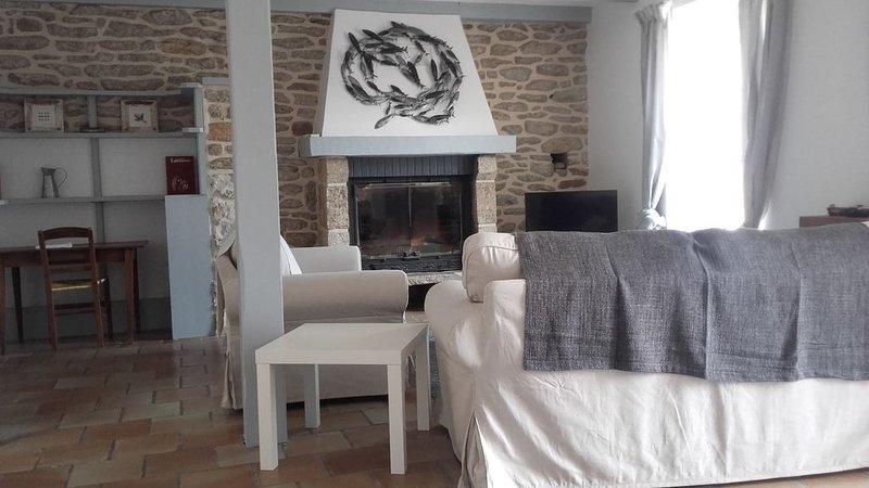 Maison de pêcheur au centre du Guilvinec, le port à 200 m, les plages à 1000 m., vacation rental in Guilvinec