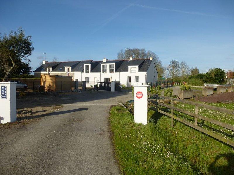 3 étoiles maison très ensoleillée en rdc  jardin clos/wifi/parking privatif ANCV, alquiler de vacaciones en Surzur