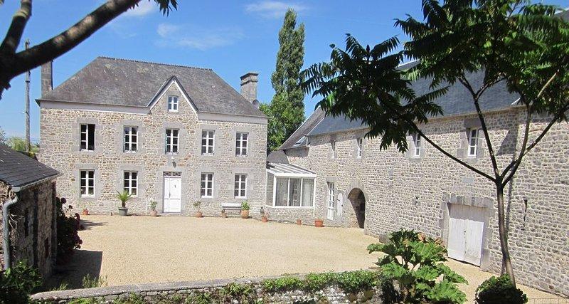 Ancienne Ferme En Pierre De Pays, location de vacances à Quettreville-sur-Sienne