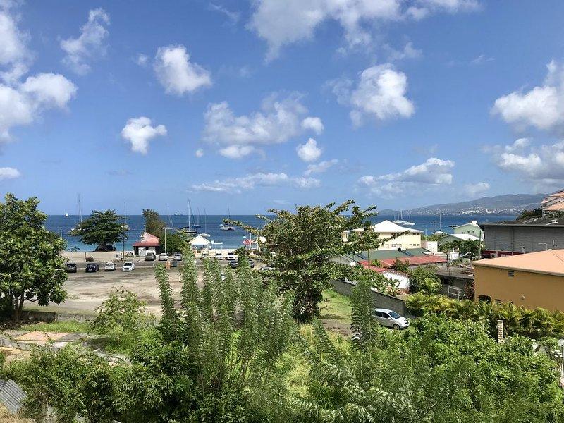 Bel appartement T2 vue mer, 100m de la plage - SUPER VACANCES, holiday rental in La Pagerie
