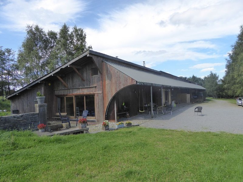 Gîte à la ferme en Ardennes belge, holiday rental in Marche-en-Famenne