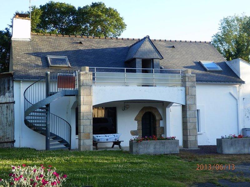 Belle maison individuelle à 400mètres des plages avec terrasse et terrain privé, alquiler de vacaciones en Surzur