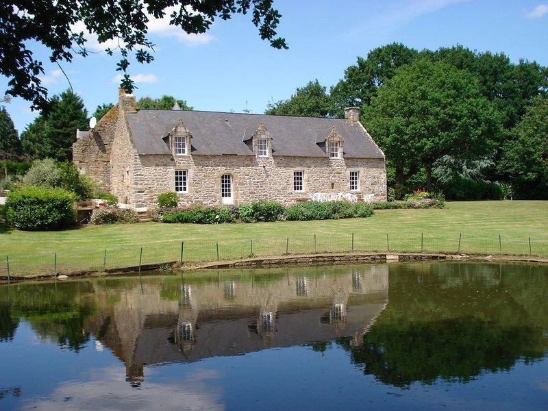 Promotion 24 au 31 aout 2019 Morbihan 15 km mer, belle longère 9personnes, holiday rental in Questembert
