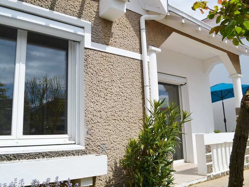 Saint Gilles Croix de Vie, Charmante maison de vacances, 80m de la plage, location de vacances à Saint-Gilles-Croix-de-Vie