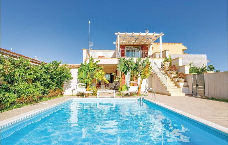 2 bedroom accommodation in Menfi -AG-, holiday rental in Porto Palo