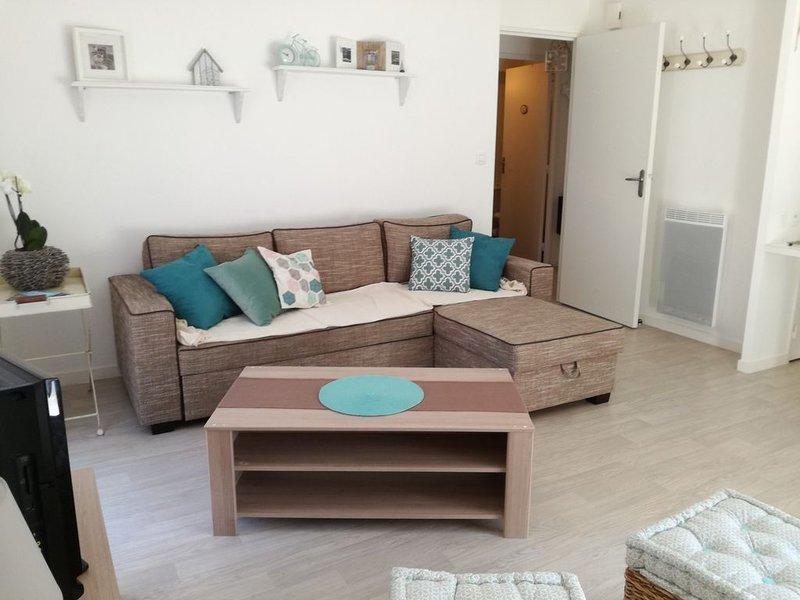 Appartement de vacances rez de jardin proche plage et commerces, holiday rental in Donges