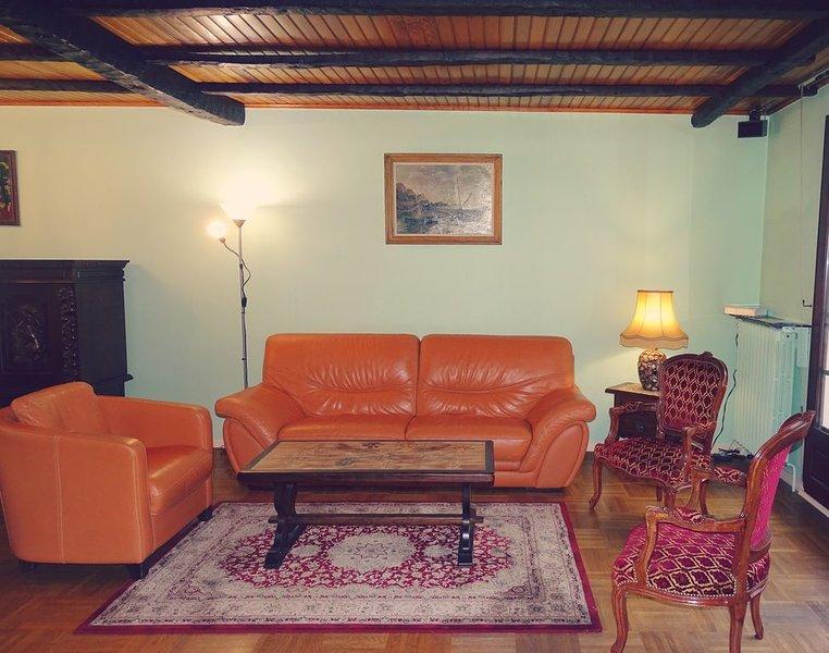 Pavillon indépendant 85m2 avec terrasse et jardin, vacation rental in Palaiseau