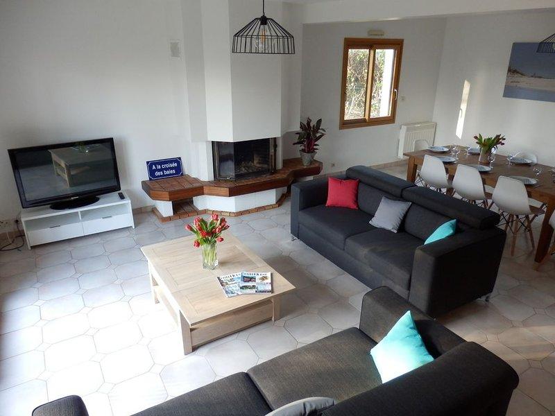 Villa 'A la croisée des baies' avec grand jardin privatif, holiday rental in Plomelin