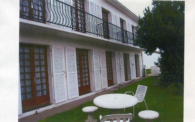 joli F2 1 à 4 personnes, vacation rental in La Faute sur Mer