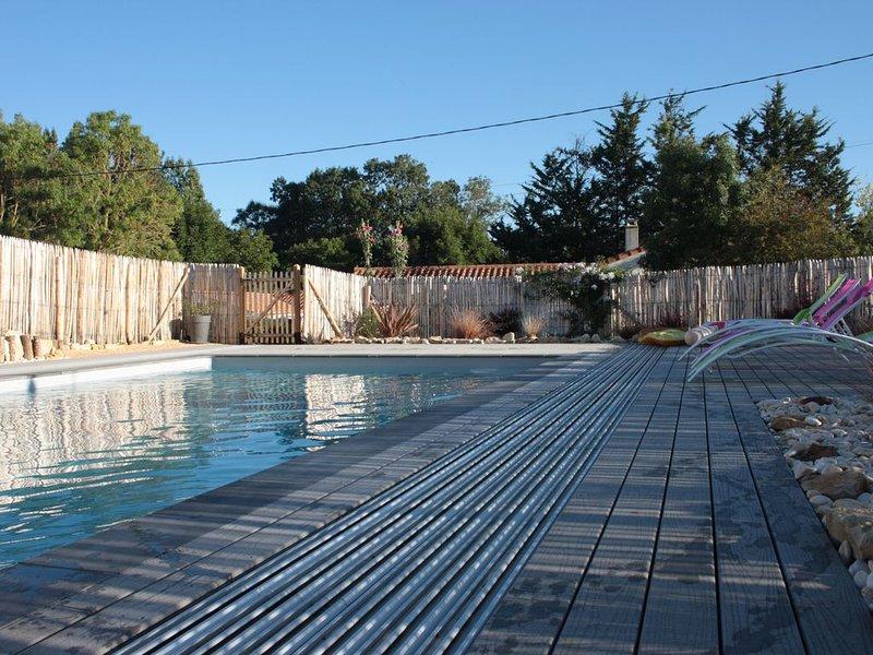 Maison avec piscine proche des grandes plages du Sud Vendée, holiday rental in La Jonchere
