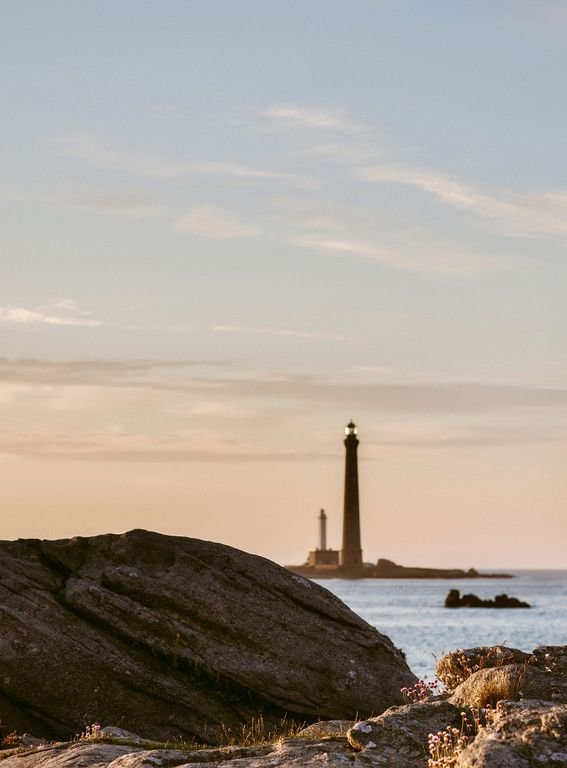 Discover the Virgin Island and its lighthouse, less than 5km from the house