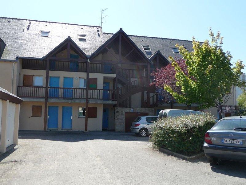 Entre port et plage, petite residence au calme, à 100m de la mer, casa vacanza a Sarzeau