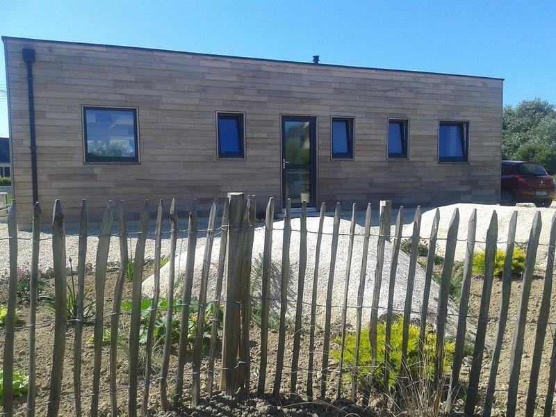 Maison bois neuve   250 m des plages et  GR34, location de vacances à Brignogan-Plage
