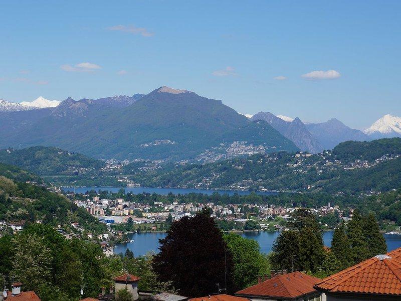 Villa Floreal, Familienwohnung 'Vista al Lago', holiday rental in Molinazzo di Monteggio