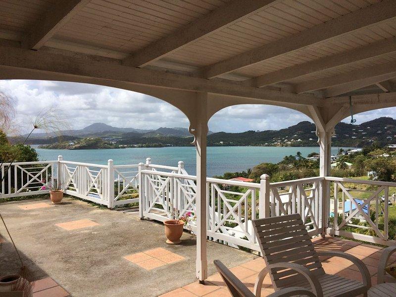 Maison créole traditionnelle,  vue panoramique, location de vacances à La Trinite