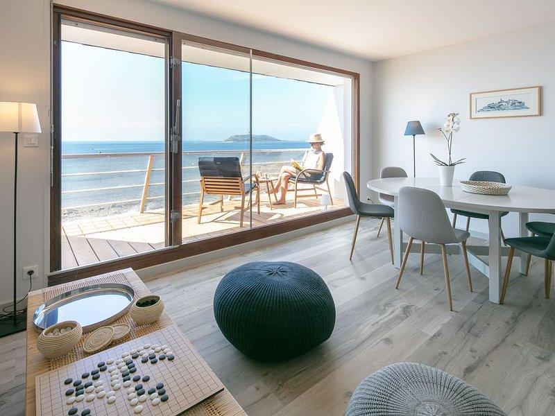 Trélévern : Maison avec vue mer exceptionnelle, vacation rental in Trelevern