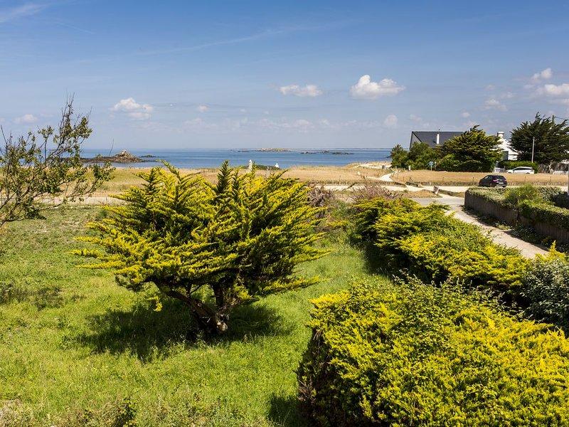 Morbihan: grande maison familiale entre la plage et la lande de la côte sauvage, holiday rental in Saint-Pierre-Quiberon