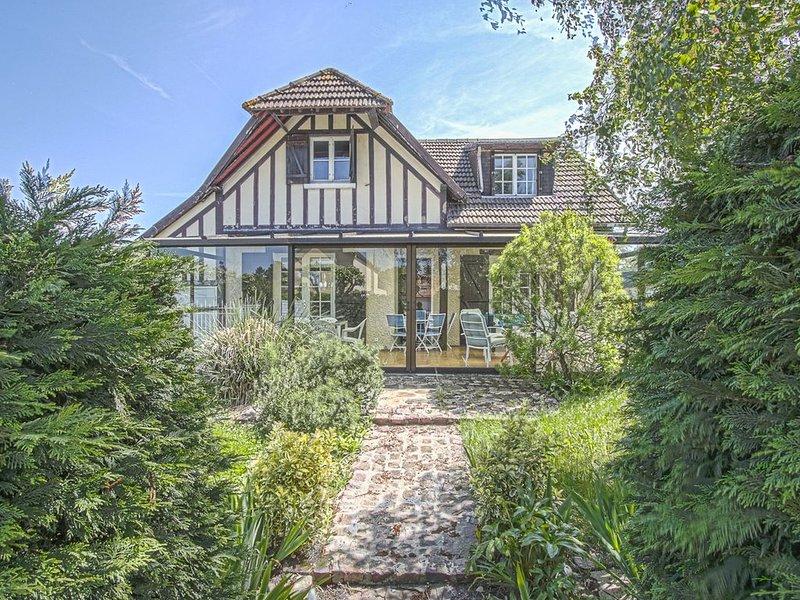 Cabourg / Le Hôme  maison familiale  avec grand  jardin  proche plage, casa vacanza a Merville-Franceville-Plage