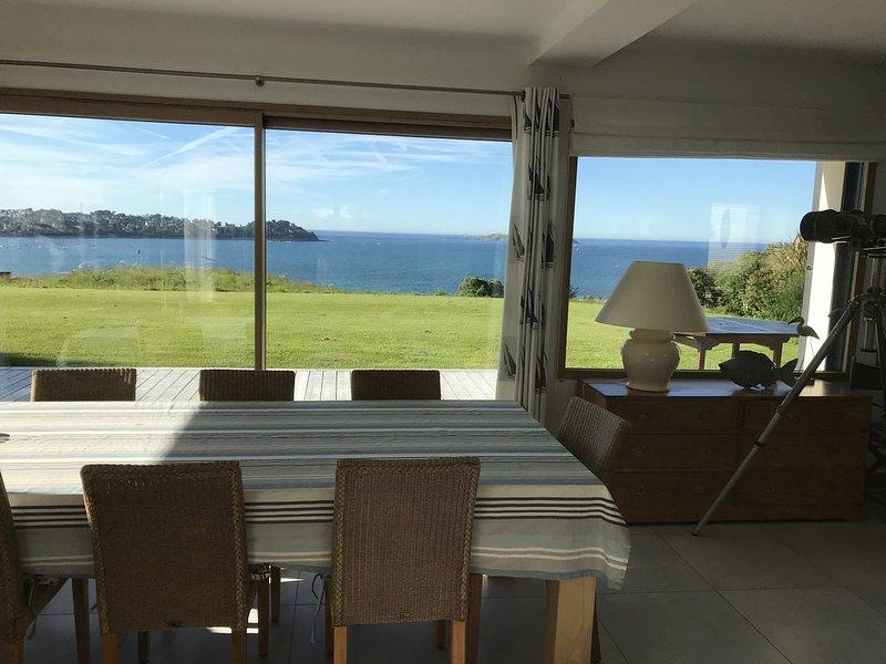 Maison bord de mer située Côte de Granit Rose Vue panoramique exceptionnelle, alquiler de vacaciones en Louannec