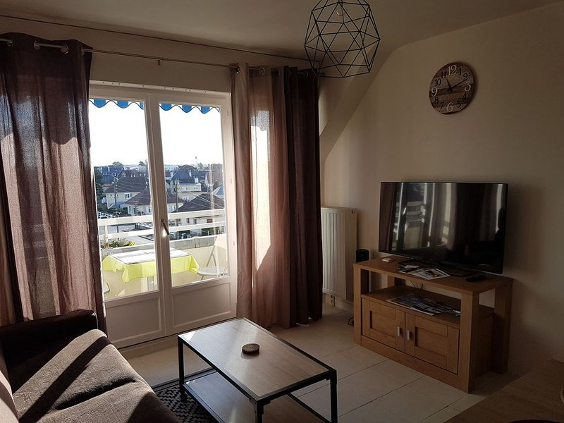 Appartement 3* à 200m PLAGE & THALASSO – WIFI - VELOS, holiday rental in Ranville