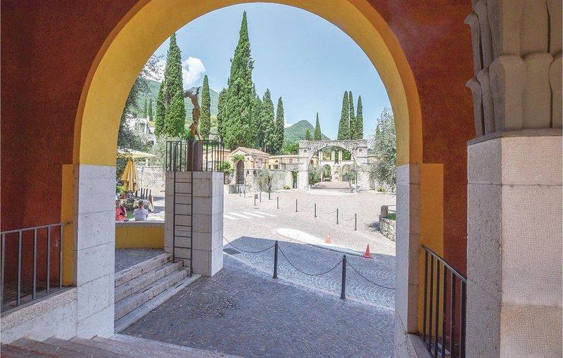 2 Zimmer Unterkunft in Gardone Riviera (BS), holiday rental in Gardone Riviera