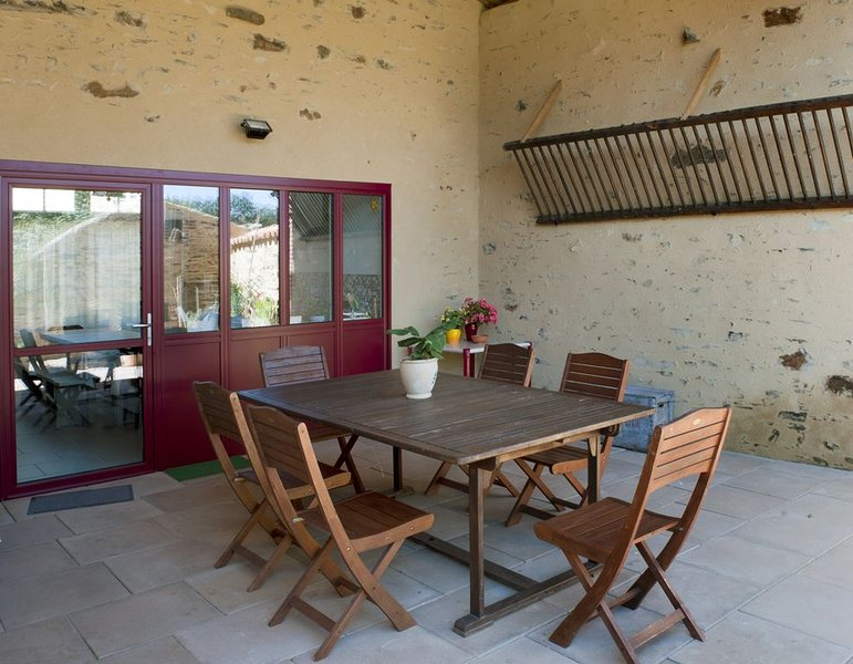 Côté cour, côté jardin, holiday rental in Sainte-Cecile