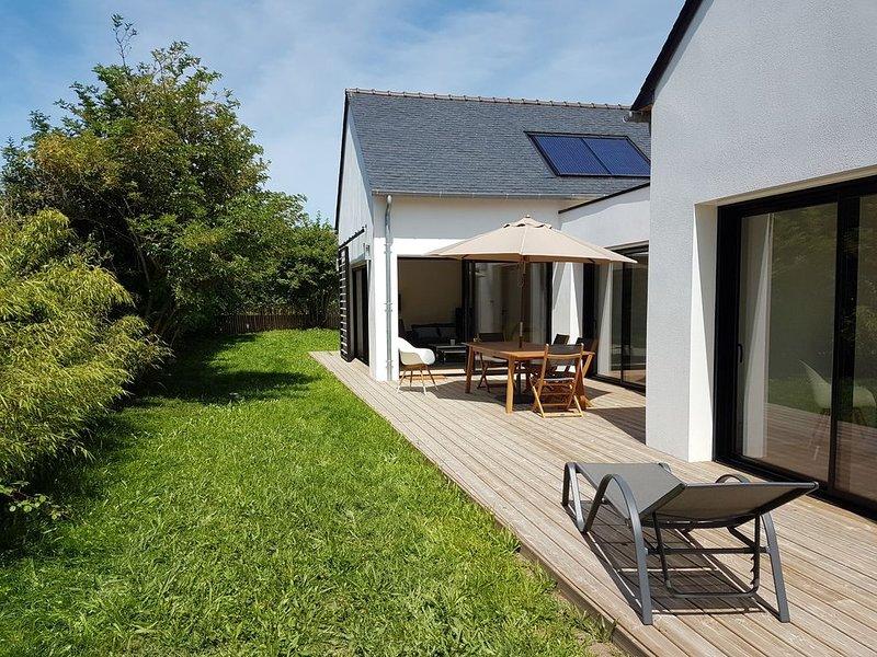 400 m de la plage, maison de plain-pied ouverte sur jardin clos, aluguéis de temporada em Benodet