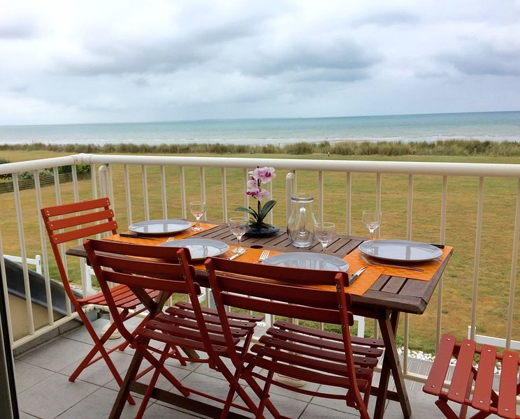 Appartement front de mer à Jullouville, Ferienwohnung in Manche