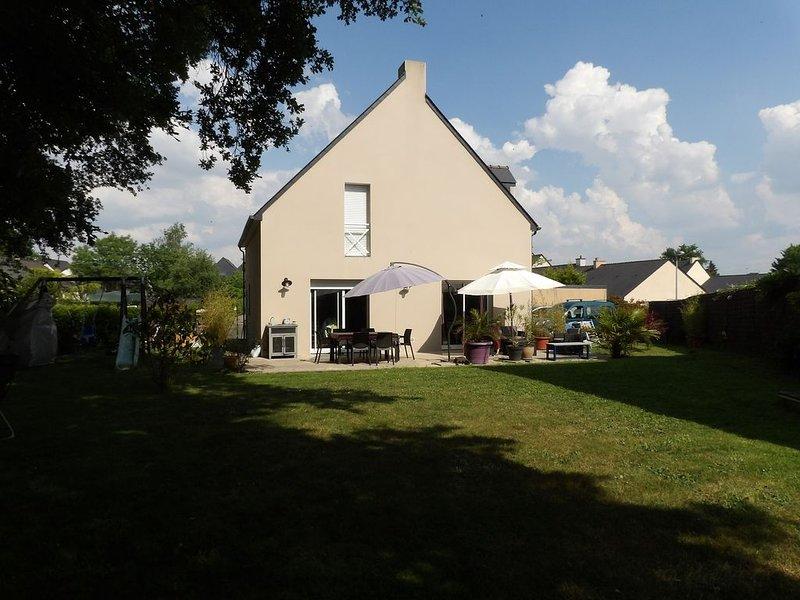 Maison contemporaine entre Loire et ville, location de vacances à Le Cellier