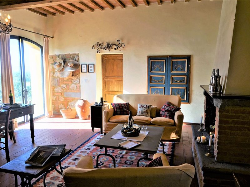 Family/Group Friendly - Charming Authentic Tuscan Farmhouse -  Private Pool, alquiler vacacional en Palaia