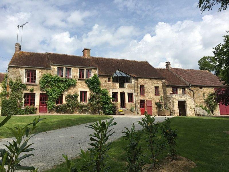 LE HAMEAU DU MARAIS, ancienne ferme du XVIIIème siècle au coeur de l'Orne, vacation rental in Fontenai-sur-Orne