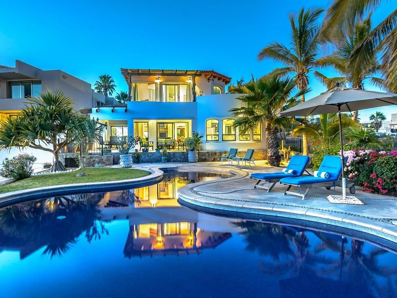 Magnificent Ocean Views, Private Pool & Spa, Steps to Sand, vacation rental in Cabo San Lucas