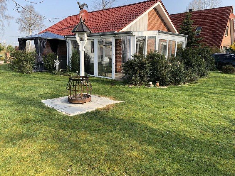 Ferienhaus Storchennest am Bernsteinsee mit Außen-Whirlpool und Sauna, alquiler de vacaciones en Oldenburg
