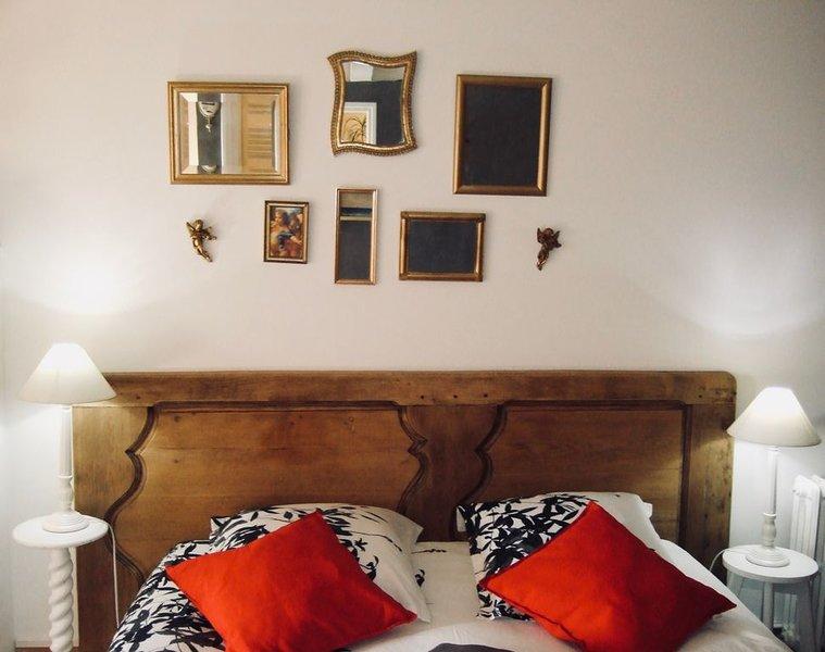 Chambre de charme*** avec vue magique sur le bocage, proche du Mont Saint-Michel, location de vacances à La Chapelle-Urée